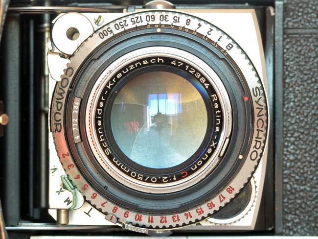 Retina lens